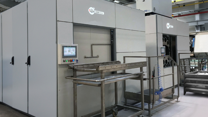 Solvent based cleaning systems